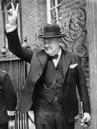 Aus der Geschichte lernen: Churchill-mit dem Victory Zeichen