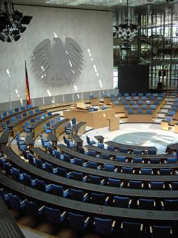 Der 1945 neue, heute alte Plenarsaal der Bundesrepublik Deutschland des Bonner Bundestags