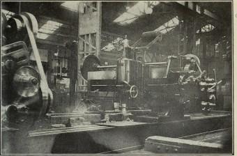 Alte Aufnahme einer Fabrik aus den Anfängen der Fotografie im 19. Jahrhundert