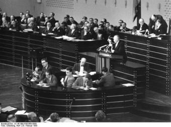 Rede Konrad Adenauers zu den Pariser Verträgen im Bundestag 1955