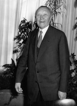 Adenauer-Bundesparteitag-1957-klein