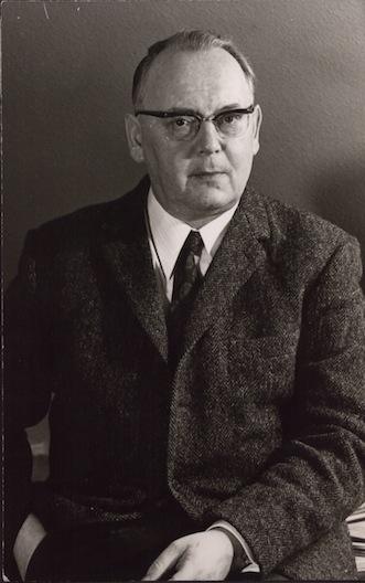 Portraitfoto von Helmut Schelsky an der Universität Bielefeld
