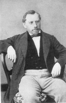 Portraitfoto von Friedrich Herman Semmig in sitzender Pose
