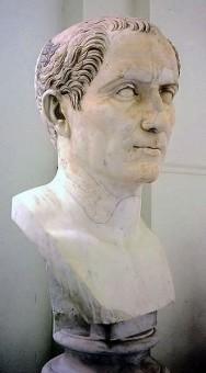 Eine Marmor Büste Caesars in einem Museum in Neapel