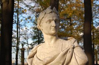 Staute des jugendlichen Caesar eines russischen Künstlers | Bild: Mithrandire, Lizenz CC-BY-SA-3.0