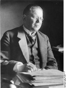 Matthias Erzberger 1919 in der Nationalversammlung von Weimar